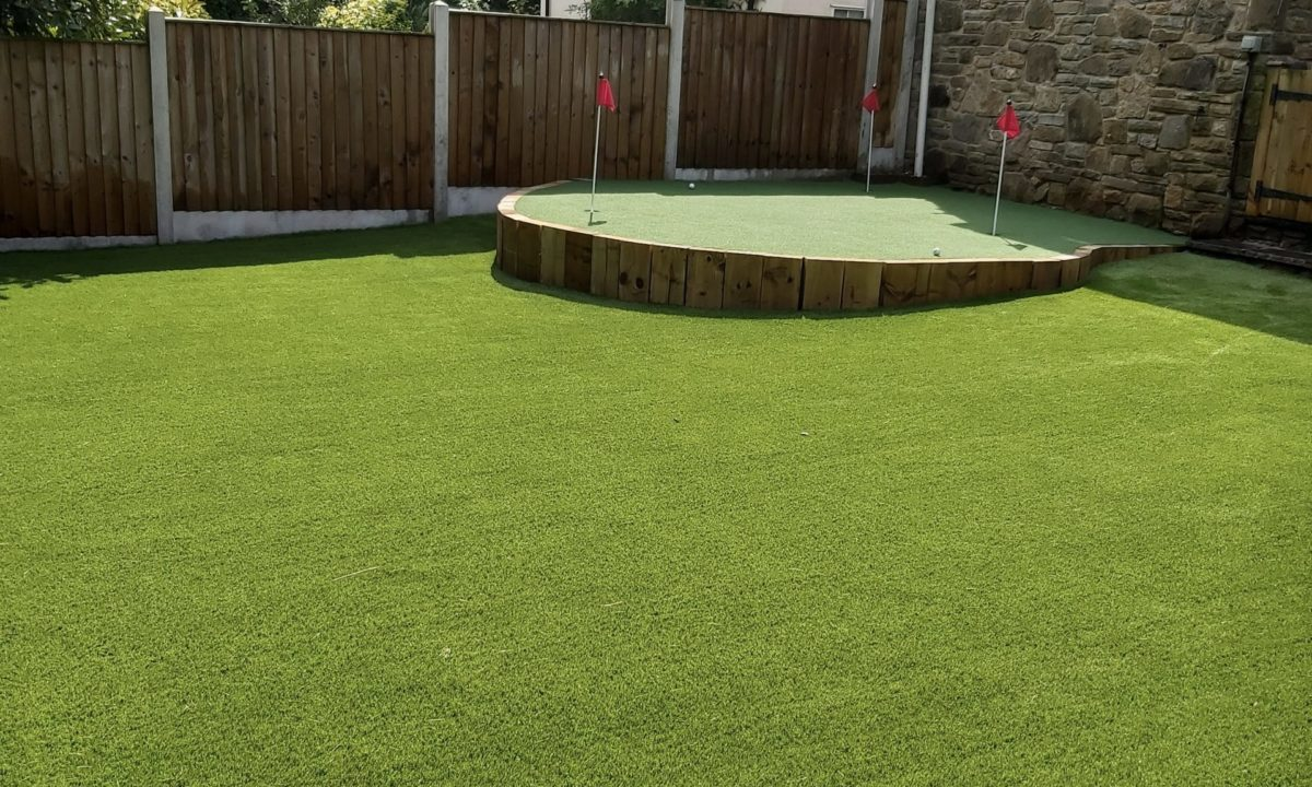 Belgravia Lawn with Wentworth feature Putting Green